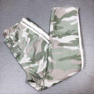 Mother   Shaker Chop Chop Fray Hem Cropped Pants